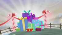 Pile of Hearth's Warming presents S5E20