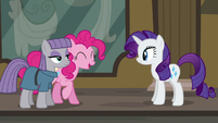 Pinkie Pie --washing your hooves for a long time-- S6E3