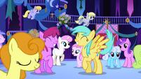 Ponies anticipating Celestia's appearance half 1 S1E01