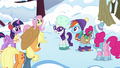 Ponies listening to Rarity S5E5.png
