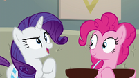 Rarity --I will go out and bring the crowd-- S6E12