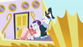 Rarity and Fancypants are in a fancy yacht S2E09.png
