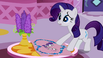 Rarity realizes her mistake S2E05
