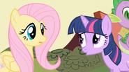 S01E01 Twilight próbuje spławić Fluttershy