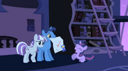 S01E23 Night Light, Twilight Velvet i Twilight