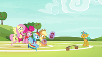 Snails returns softballs to Applejack S6E18