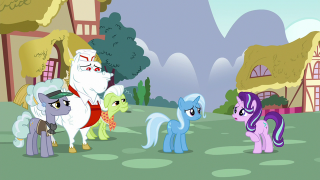 File:Starlight apologizes to other ponies S7E2.png