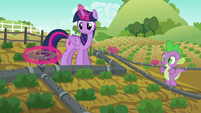 Twilight magically turns all valves at once S6E10