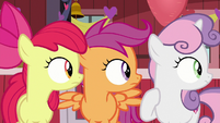 Cutie Mark Crusaders hear Big Mac enter S8E10