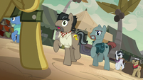 Daring Do appears in front of Caballeron and henchponies S7E18