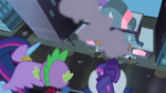 Maretropolis ponies running in terror S4E06
