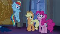 Pinkie Pie com a imaginação ativa T4E03