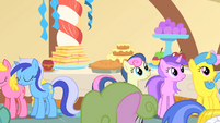 Ponies watch Princess Celestia leave the party S1E22