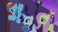 "Rainbow Dash ""Pegasi from Cloudsdale"" S9E17"