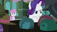 Rarity looks for a different hat S5E16