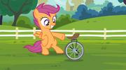 S04E15 Scootaloo prezentuje poskładany monocykl
