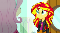 Sunset Shimmer listening to Fluttershy SS7