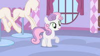 Sweetie Belle offering Rarity her help S1E17