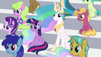 Twilight and Celestia watching the game S9E15