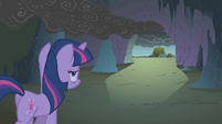 Twilight leaving the cave S1E07