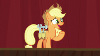 Applejack wearing a tool belt S5E16