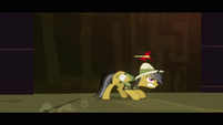 Daring Do avoids dart S2E16