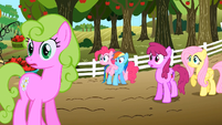Everypony watching S02E15