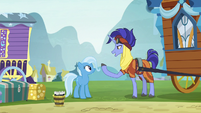 Hoo'Far invites Trixie to Saddle Arabia S8E19