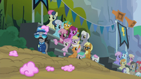 Ponies look at the fallen Rainbow Dash S6E7