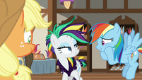 Rainbow Dash likes Rarity's new mane S7E19