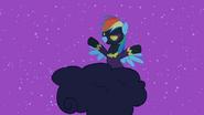 S2E04 Rainbow Dash przebrana za Shadowbolta