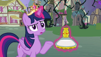 Twilight thinks the potion doesn't work S4E01