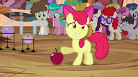 Apple Bloom presenting apple and potion set S4E15