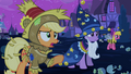 Applejack 'look at 'em' S2E04.png
