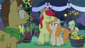 Pear Butter renouncing the Pear family S7E13.png