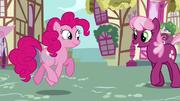 Pinkie Pie ''Feliz aniversário Cheerilee'' T2E18