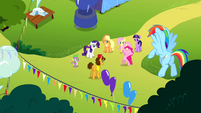 Pinkie Pie -headline the Rainbow Dash birth-iversary bash- S4E12