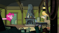 Pinkie Pie pops in on Cranky Doodle again S02E18.png