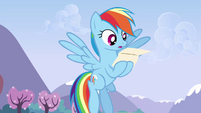 Rainbow surprised while reading the letter S3E7
