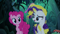 "Rarity ""quite what she's looking for either"" S7E19"