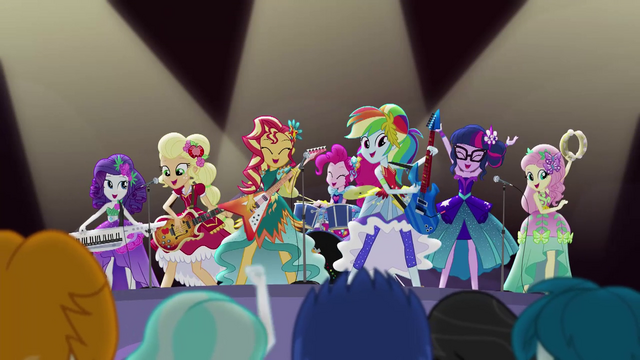 File:The Rainbooms performing Legend You Were Meant to Be EG4.png