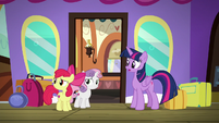 Twilight and Crusaders hear Scootaloo coming S8E6