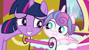 Twilight and Flurry Heart cheek to cheek S7E3