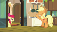 Applejack singing lullaby reprise S5E4