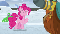 Pinkie Pie -happy to come dig the snow away- S7E11