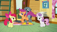 Scootaloo hopping excitedly across Gabby S6E19