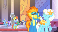Spitfire talking to a pony S1E26
