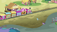 Twilight and Rainbow race to the station S3E12