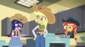 Applejack and friends making apple fritters EGS1.png