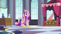Cadance looking toward the book pile S5E10